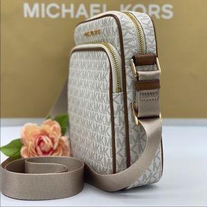 MICHAEL KORS MD FLIGHT CROSSBODY Bag VANILLA
